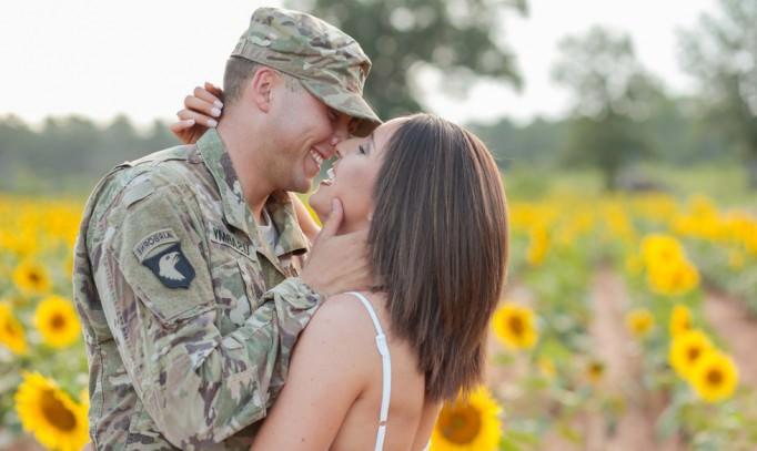 Je viens de rencontrer un militaire - Cet amour amusant