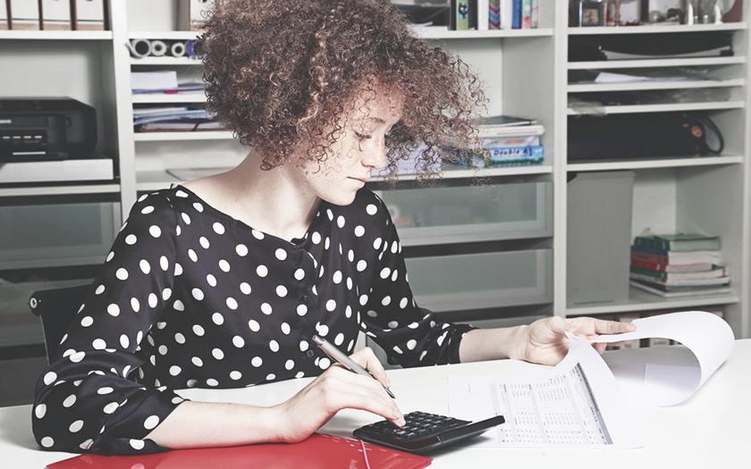 Annonce femme cherche aide financiere - 10 Great Places To Meet The Woman
