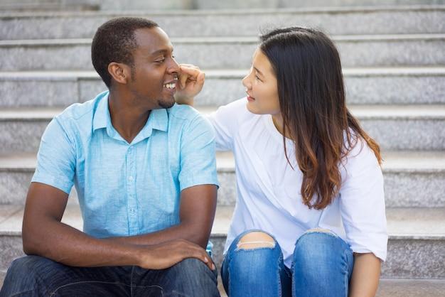 flirt avec un homme en couple