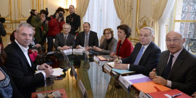 Revivez la rencontre entre Ayrault et les syndicats à Matignon