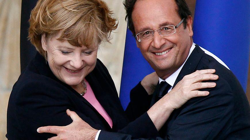Hollande et Merkel célèbrent à Reims cinquante ans d'amitié franco-allemande